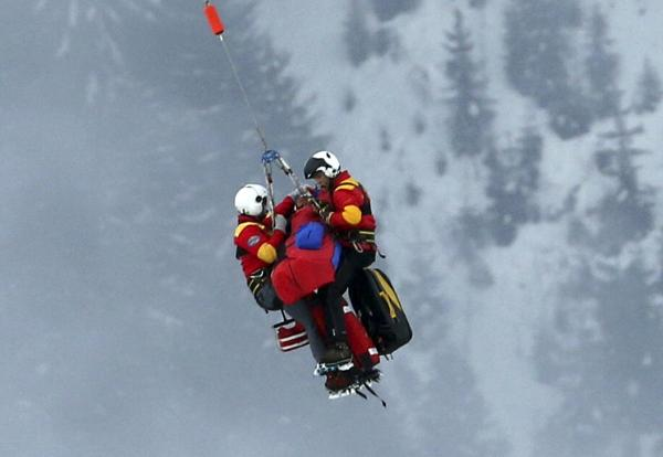 Skier Lindsay Vonn is airlifted after crashing during the women's Super-G event in Schladming, Austria, possibly injuring her knee, on Tuesday, Feb. 5, 2013.