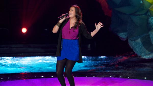 It's like a charm school talent show out there on this season of <em>American Idol</em>, but Jen Hirsh is showing signs of personality.