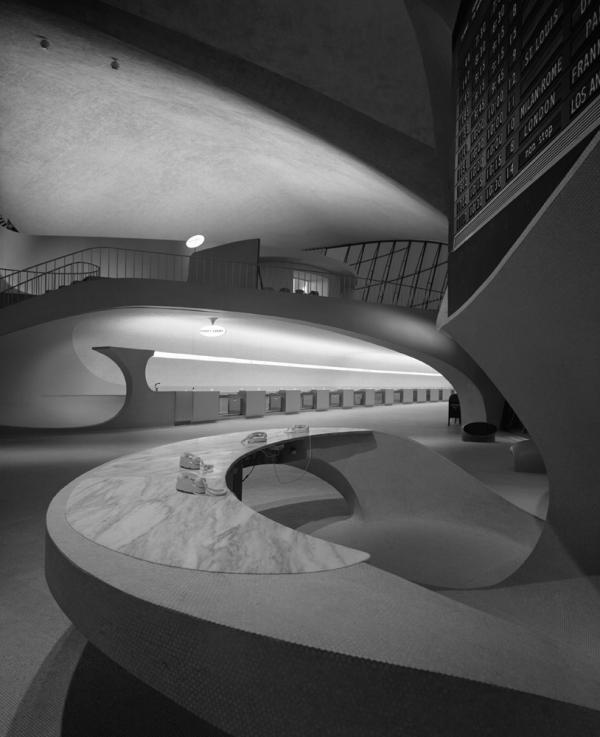 <em>TWA Terminal at Idlewild (now JFK) Airport, Eero Saarinen, New York, N.Y.,</em> 1962