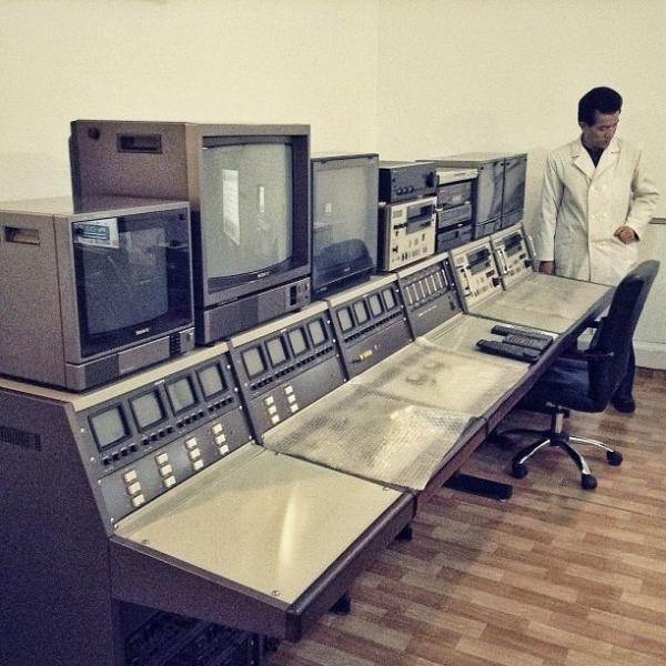 """""""A North Korean doctor and a bank of video monitors inside a #Pyongyang hospital."""""""