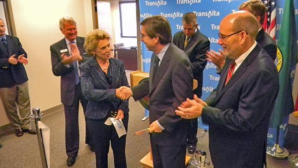 Governor Chris Gregoire at TransAlta's ribbon-cutting ceremony for its new US headquarters in Olympia