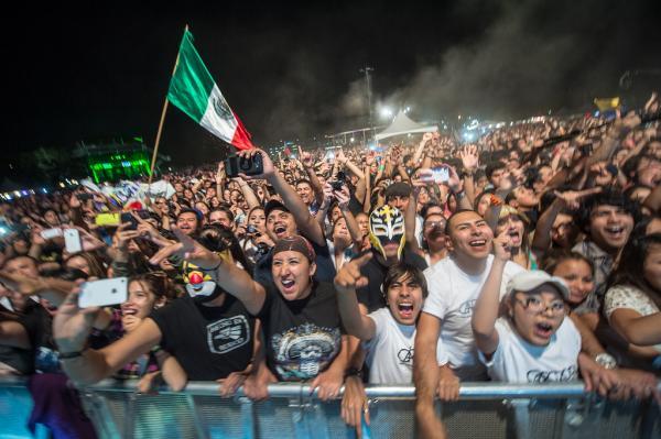 Mexican flags, wrestling masks and a legion of ecstatic Café Tacvba fans at <em>Alt.Latino</em>'s showcase at Auditorium Shores.