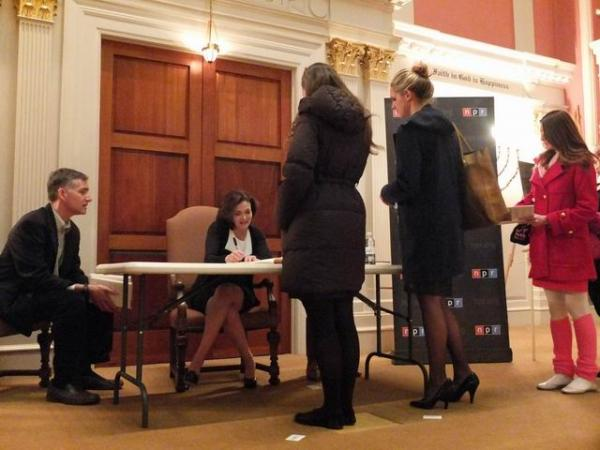Following the interview, Sandberg met with attendees and signed copies of her book <em>Lean In: Women, Work, and the Will to Lead. </em>