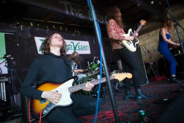 With swirling guitar solos over motorik rhythms, Toy plays the The Main for The Brooklyn Vegan Party.