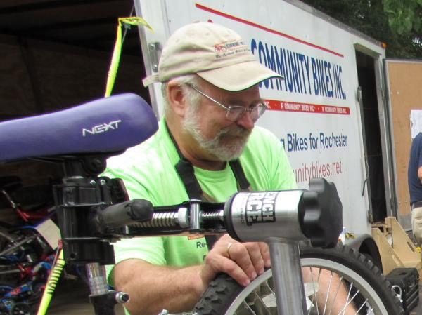 Dan Lill of R Community Bikes.