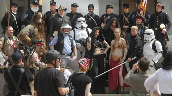 Civil War re-enactors and <em>Star Wars</em> fans at the Ohio Statehouse on Sunday (April 10 , 2011).