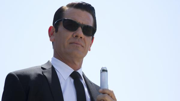 Josh Brolin plays the Apollo 11-era version of Tommy Lee Jones' character in <em>Men In Black 3</em>.