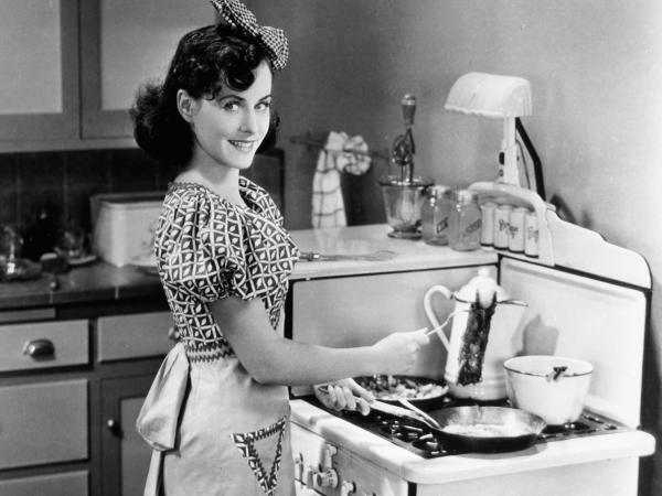 Paulette Goddard in the Tramp's (Charlie Chaplin) dream of a middle-class life in <em>Modern Times</em>.