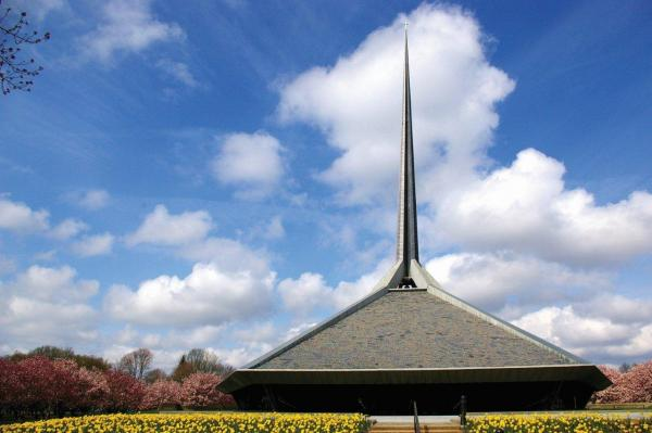 Eero Saarinen also designed the North Christian Church, which was completed in 1964, three years after Saarinen's death. Along with the First Christian Church and the Miller house, North Christian is one of Columbus' six national historic landmarks.