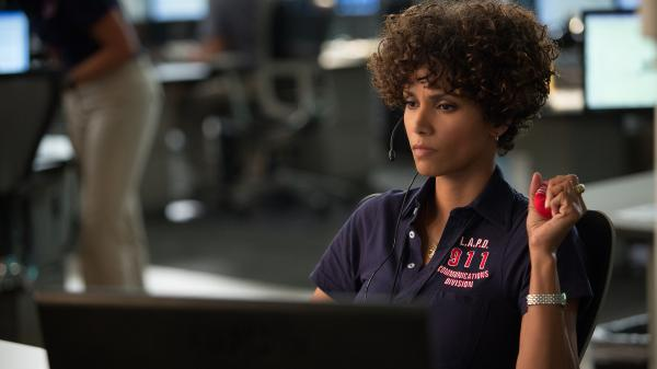 LAPD 911 operator Jordan Turner (Halle Berry) hopes to turn a fatal failure into a final victory after a serial killer tries to claim a second young victim on her watch.
