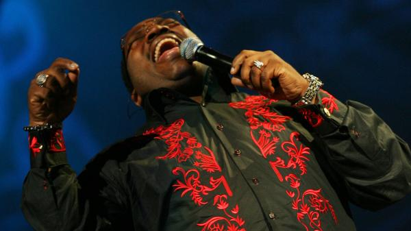 Marvin Sapp performs at the How Sweet the Sound national gospel competition September 29 ,2008 in Chicago, Illinois.