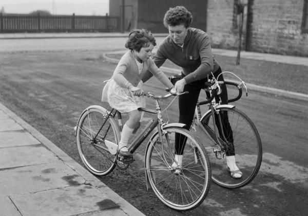 British cyclist Beryl Burton with her daughter Denise in March 1963. Mother and daughter later raced together in the 1972 world championships.