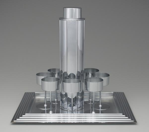 "Norman Bel Geddes' 1934 ""Manhattan Cocktail Service"" evokes a tall, city skyscraper."