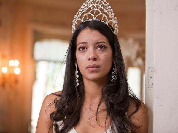Stephanie Sigman plays Laura, a beauty queen drawn into the world of Mexican drug cartels, in the film <em>Miss Bala</em>.