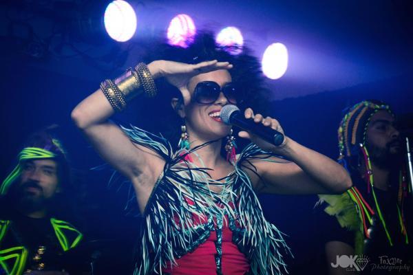Argentine singer La Yegros' new album is called <em>Viene De Mi.</em>
