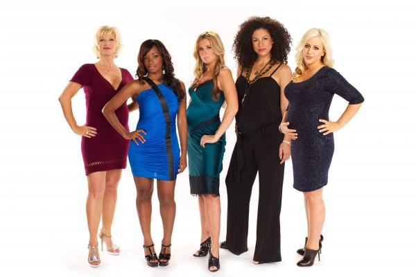 The cast of WE tv's <em>Pregnant & Dating</em>. They are all pregnant. Also dating.