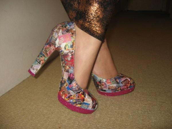 The romance novel shoes, in action.