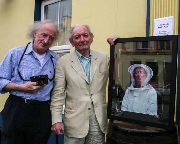 Bobbie Hanvey photographed the most famous artists, playwrights and poets of Northern Ireland, including leading Irish playwright Brian Friel.