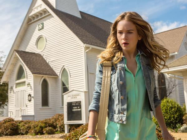 Britt Robertson plays Angie McAlister, a medical center volunteer who longs to escape the town and become a full-fledged nurse.