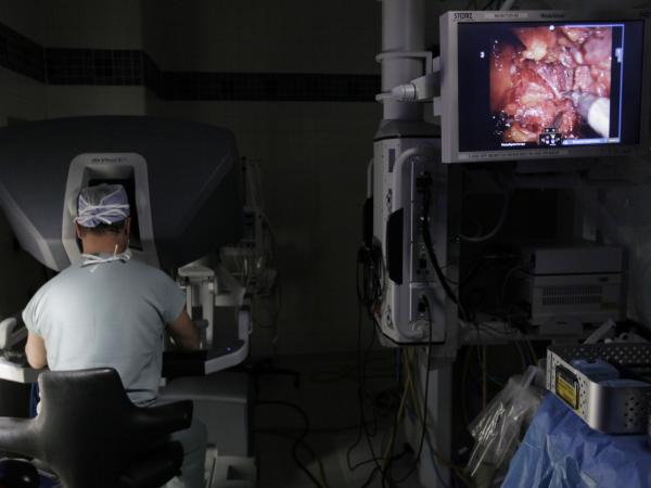 Dr. Greg Zagaja performs prostate surgery using a robot at the University of Chicago Medical Center in 2009.