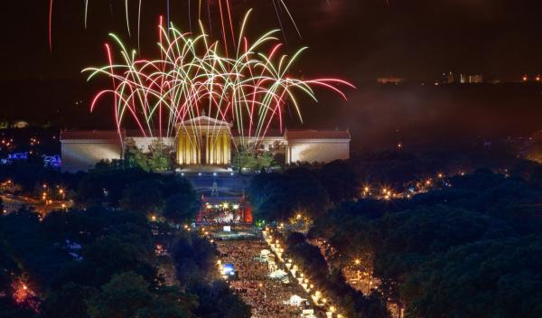 Fireworks blaze over the Philadelphia Museum of Art during Philadelphia's multi-day Wawa Welcome America! bash, 2010. (G. Widman/Greater Philadelphia Tourism Marketing Corporation)