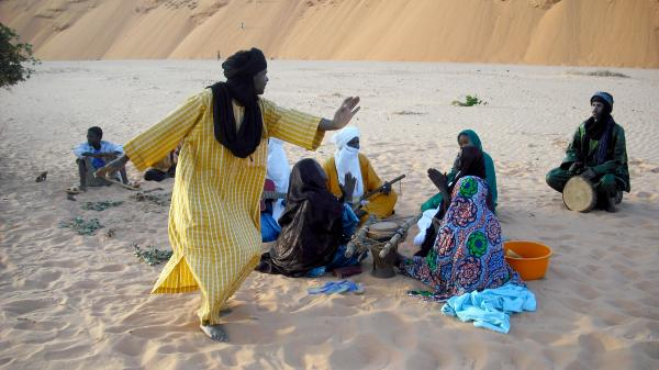 The musicians of Etran Finatawa come from the Tuareg and Wodaabe tribes, two nomadic groups who have historically been rivals.