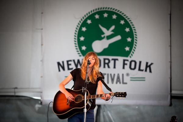 The electronic-tinged folk musician Beth Orton lays aside the electronics on her new album and stark solo Newport performance.