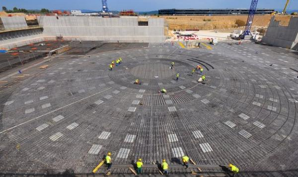 The foundations for Iter's tokamak -- which will contain the hot plasma -- have been laid. (BBC)