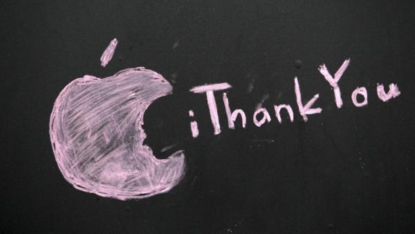 <p>A message honoring Steve Jobs is scrawled on a blacked-out window at an Apple store in Seattle.</p>