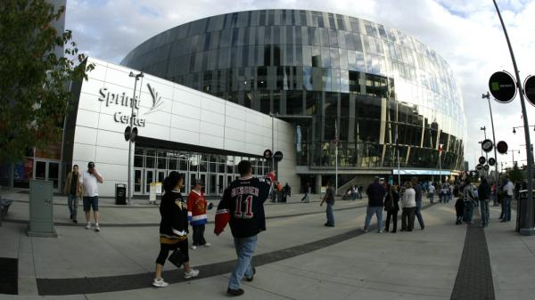 Kansas City's four-year-old Sprint Center has no permanent big-league tenant, but it makes a profit from events like this 2009 preseason NHL hockey game between the Los Angeles Kings and the New York Islanders.