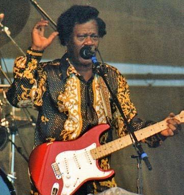 Earl King on stage at the 1997 New Orleans Jazz & Heritage Festival. He died a few years after Ernie K-Doe, and now the two share a tomb.