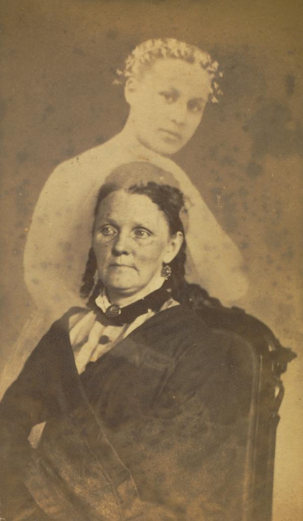 <em>Unidentified woman seated with a female spirit</em>, 1862-1875 (William Mumler)