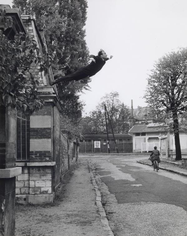 <em>Leap into the Void</em>, 1960 (Yves Klein, Harry Shunk and Jean Kender)<strong></strong>