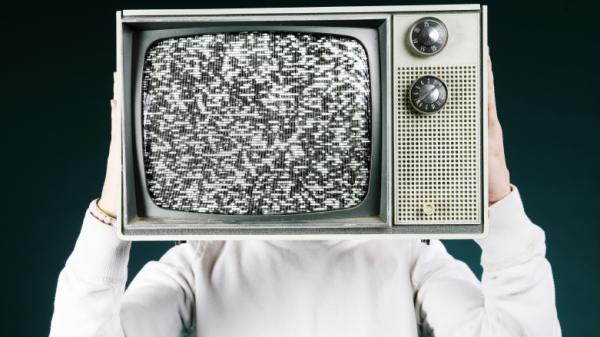 <p>Even with a strong maternal relationship, teenage boys who watch a lot of TV acquire their attitudes toward sex from gender stereotypes seen on the tube, a new study says. </p>