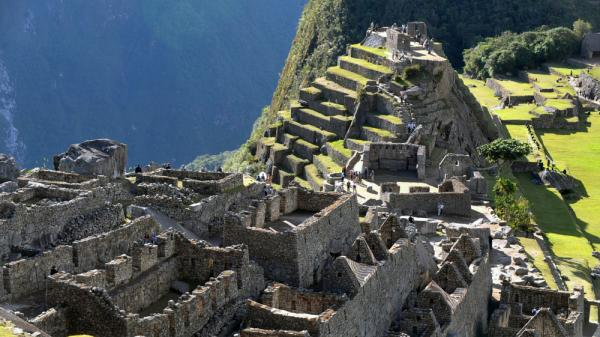 <strong></strong>Between 1912 and 1915, Yale explorer Hiram Bingham III excavated thousands of artifacts from Machu Picchu — an Inca site perched high in the Andes Mountains. Many of those objects have now been returned to Peru, after spending 100 years at Yale University.