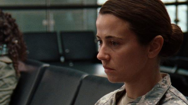 Linda Cardellini plays a vet who returns from overseas with no way to make sense of where she was and what it meant in director Liza Johnson's new drama <em>Return</em>.
