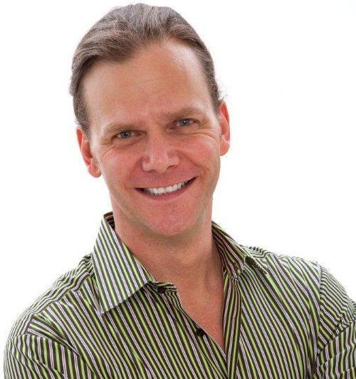 """Taylor Mali travels the country speaking to teachers' groups and recruiting the next generation of classroom teachers with his """"1,000 Teachers"""" campaign."""