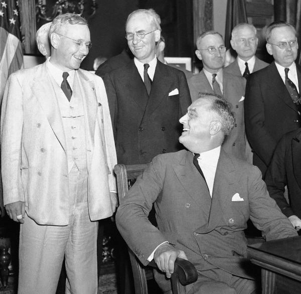President Franklin D. Roosevelt and his Republican challenger, Kansas Gov. Alfred M. Landon (left), meet in September 1936.