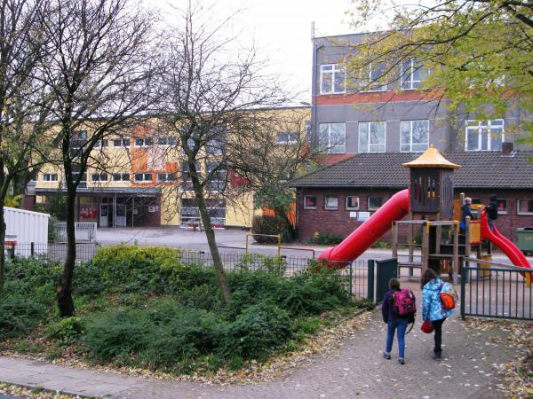 Tackenberg elementary school in Oberhausen, slated to close by mid-2015, is one of the casualties of the city's required austerity measures.