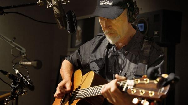Richard Thompson performs live at the <em>All Things Considered </em>studio.
