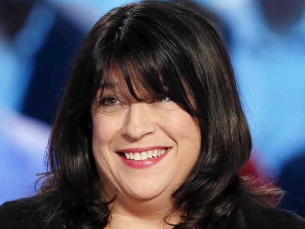 <em>Fifty Shades of Grey</em> author E.L. James on the set of the French TV show <em>Le Grand Journal.</em>