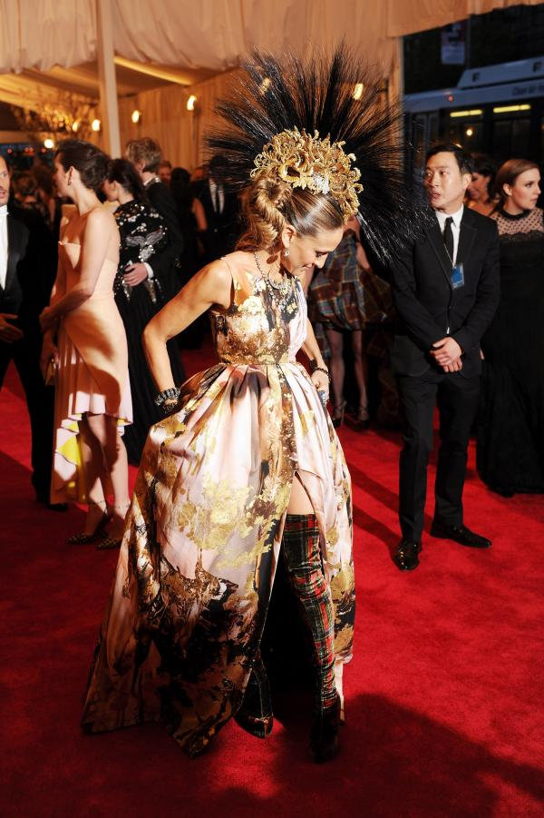 Sarah Jessica Parker committed to the theme.