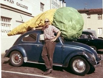 Claes Oldenburg with his <em>Floor Cone</em> (1962) in front of Dwan Gallery, Los Angeles, 1963.