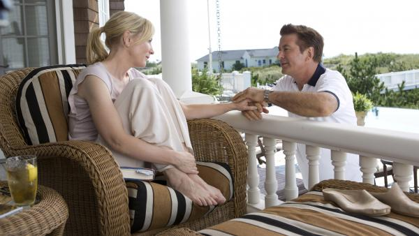 In her prime, Jasmine (Cate Blanchett) could be found curled up with a book on the deck with Hal (Alec Baldwin). That all came crashing down with news of Hal's infidelity and their subsequent divorce.