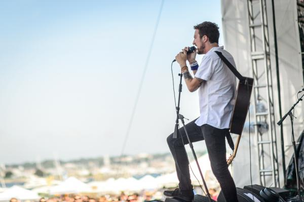 The storyteller and all-around delightful raconteur Frank Turner in a rockstar pose at Newport.