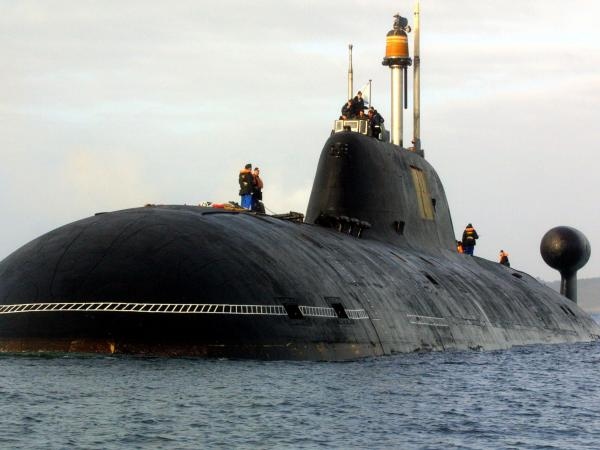 A Russian Akula-class sub in Brest harbor, western France, in 2004. The INS Arihant is said to be based on this Cold War design.
