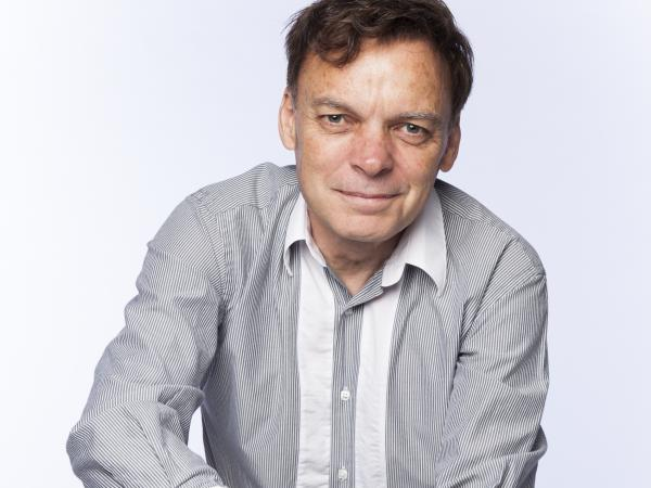 Graeme Simsion was an IT consultant before publishing <em>The Rosie Project.</em>