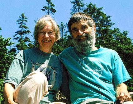 Kate Harper and Leon Marasco have been married since 1994. (ourpastloves.com)