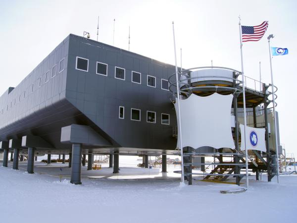 The Amundsen-Scott South Pole Station, a center for scientific research, was designed to allow snow to blow under the building rather than accumulate against it.