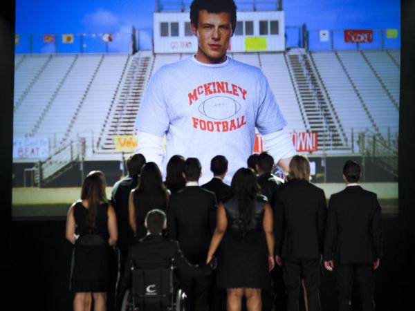 "<em>Glee</em> remembered Cory Monteith in Thursday night's episode, ""The Quarterback."""